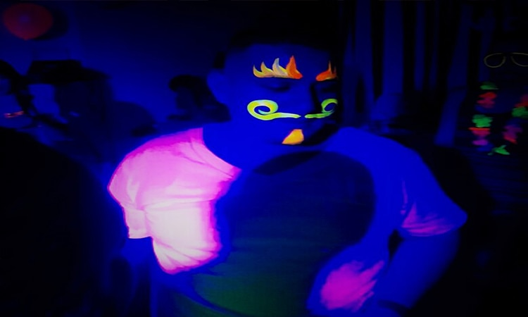 Fiestas Neon Galeria